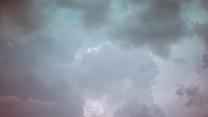 Cielo drammatico fotografie stock libere da diritti