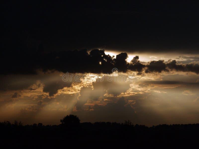 Cielo drammatico fotografie stock