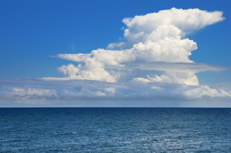 Cielo e mare fotografia stock