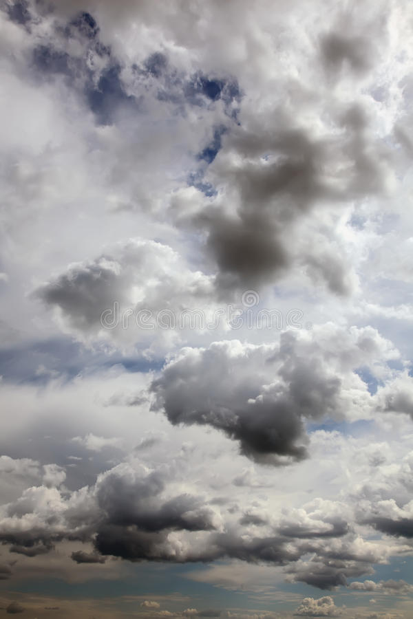 Cielo e nubi. immagini stock