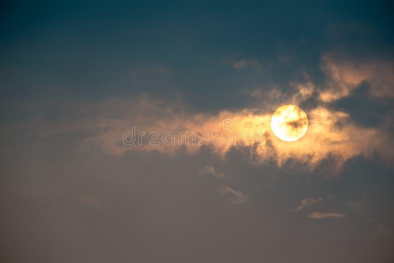 Cielo e nuvole di alba fotografia stock libera da diritti