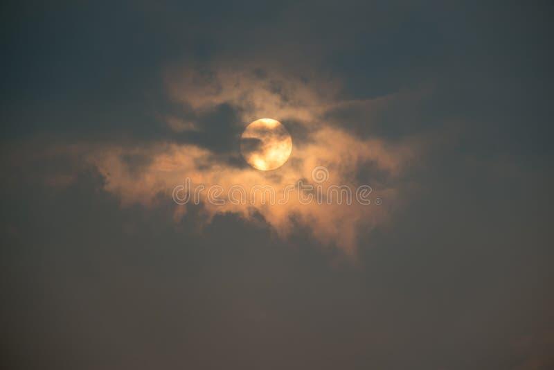 Cielo e nuvole di alba immagine stock libera da diritti