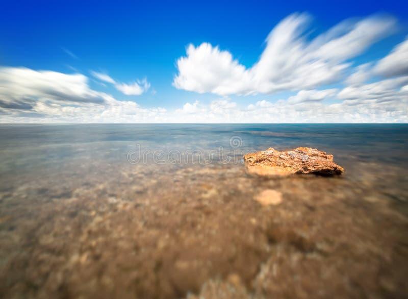 Cielo ed acqua perfetti dell'oceano immagine stock