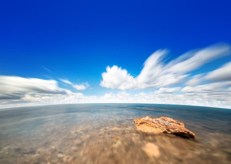 Cielo ed acqua perfetti dell'oceano immagini stock libere da diritti