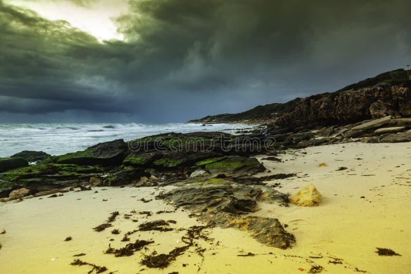 Cielo ed onde dell'oceano Storm fotografie stock libere da diritti