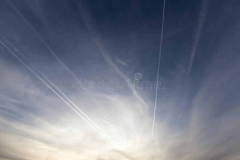 Cielo en la puesta del sol fotografía de archivo libre de regalías