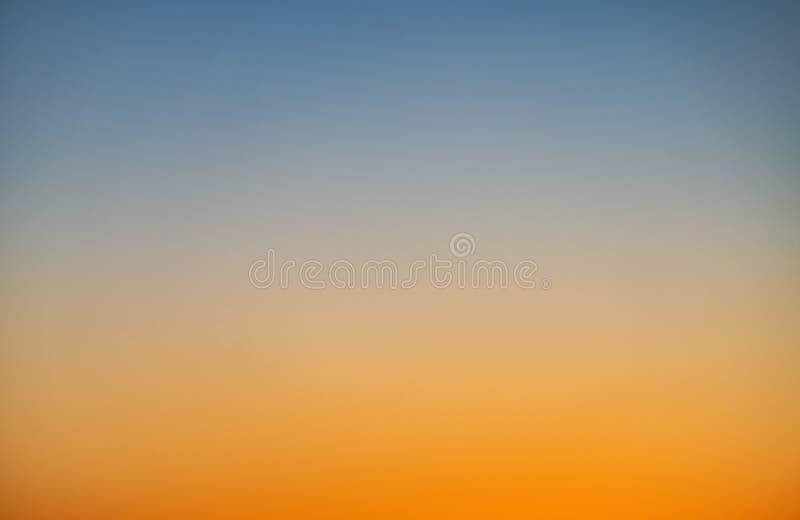 Cielo en la puesta del sol imagen de archivo