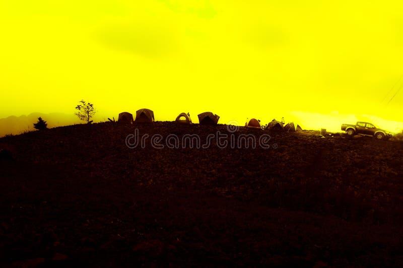 Cielo giallo immagini stock