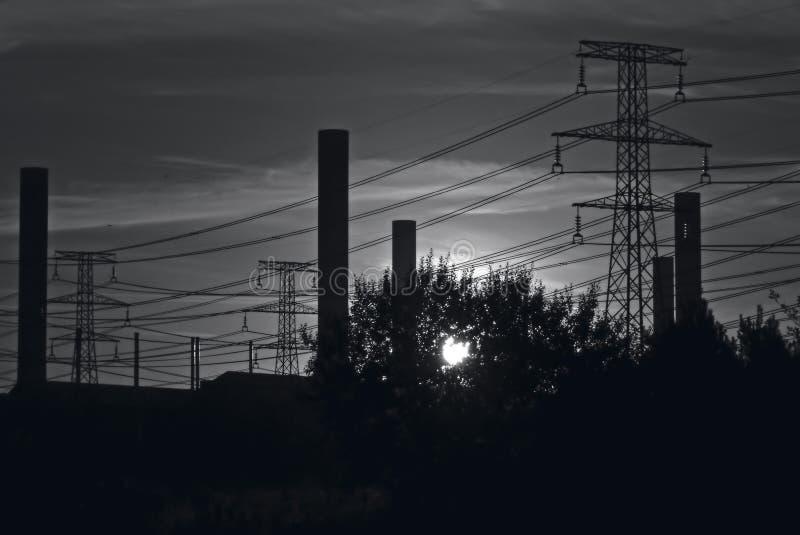 Cielo industriale di B&W fotografia stock libera da diritti
