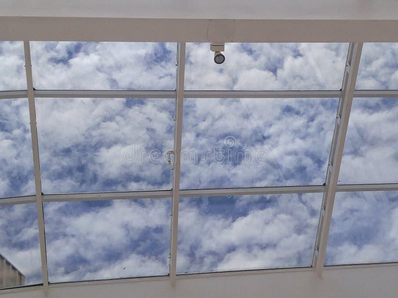 Download Cielo nublado imagen de archivo. Imagen de encima, nublado - 64204185