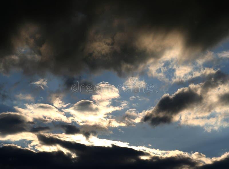 Cielo nuvoloso immagini stock