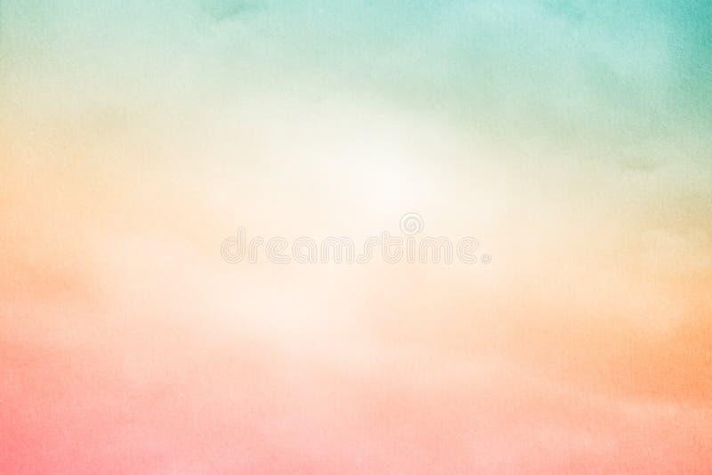 Cielo nuvoloso di fantasia con colore di pendenza e struttura pastelli della carta di lerciume, fondo della natura fotografia stock