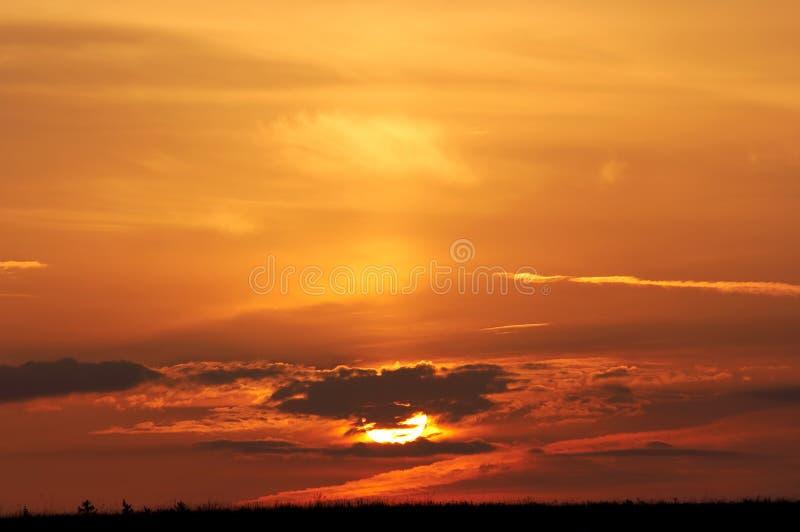 Cielo rojo de la mañana fotos de archivo libres de regalías