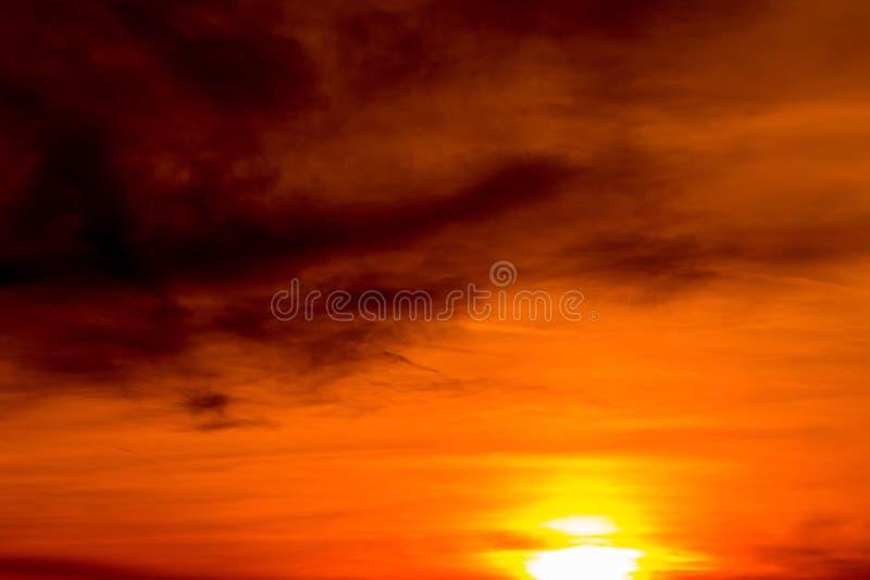 cielo rojo en el placer del marinero de la noche? fotos de archivo libres de regalías