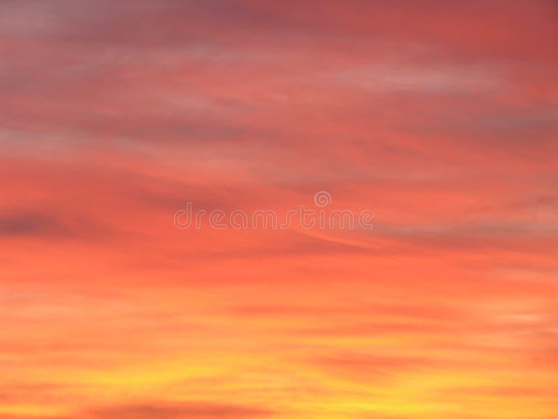 Cielo rojo en la noche fotografía de archivo