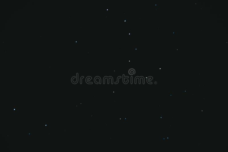 cielo stellato di notte Fondo dello spazio Molte stelle su un fondo scuro immagini stock