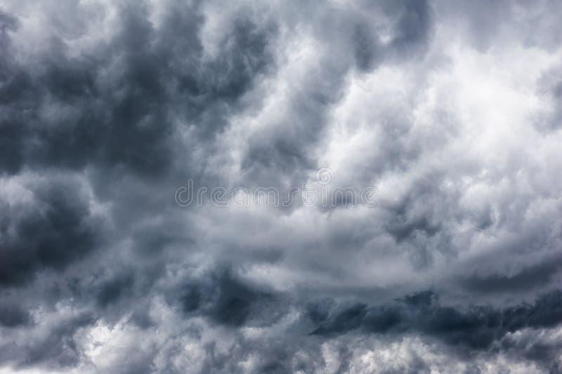 Cielo tempestoso immagini stock libere da diritti