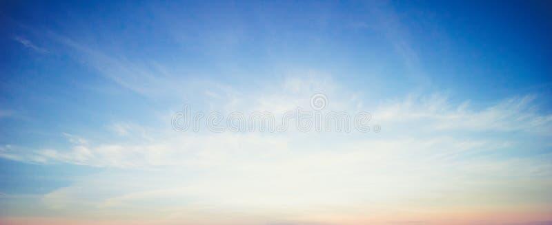Cielo variopinto ed alba immagini stock libere da diritti