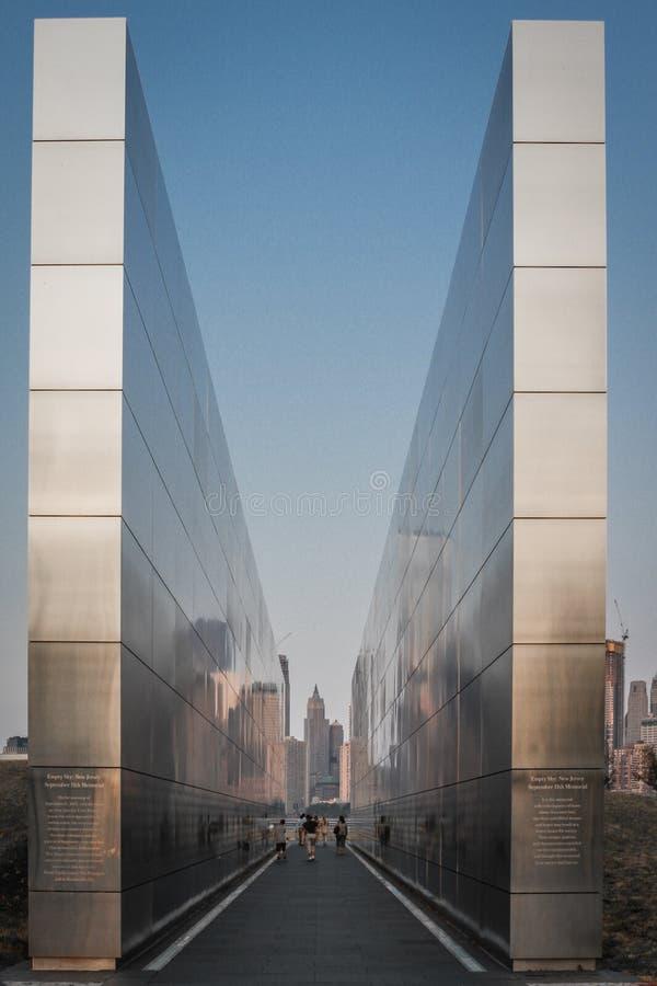 Cielo vuoto: Il New Jersey memoriale dell'11 settembre fotografia stock libera da diritti