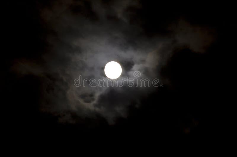 Cielo y luna negros imagenes de archivo
