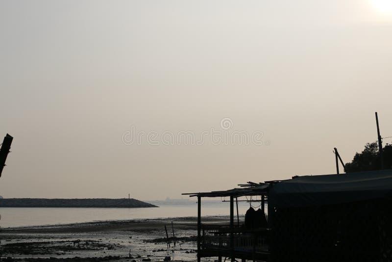 Cielo y mar claros foto de archivo