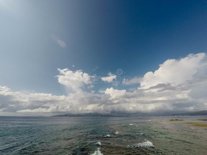 Cielo y océano fotos de archivo