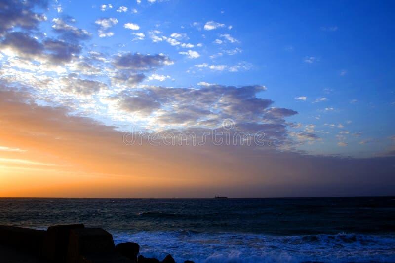 Cielo y océano foto de archivo
