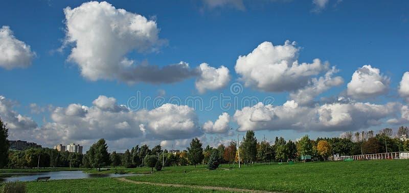 cielos imagen de archivo