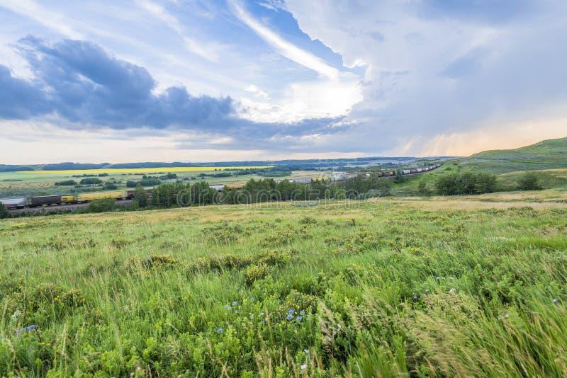 Cielos abiertos sobre Alberta Foothills imagen de archivo
