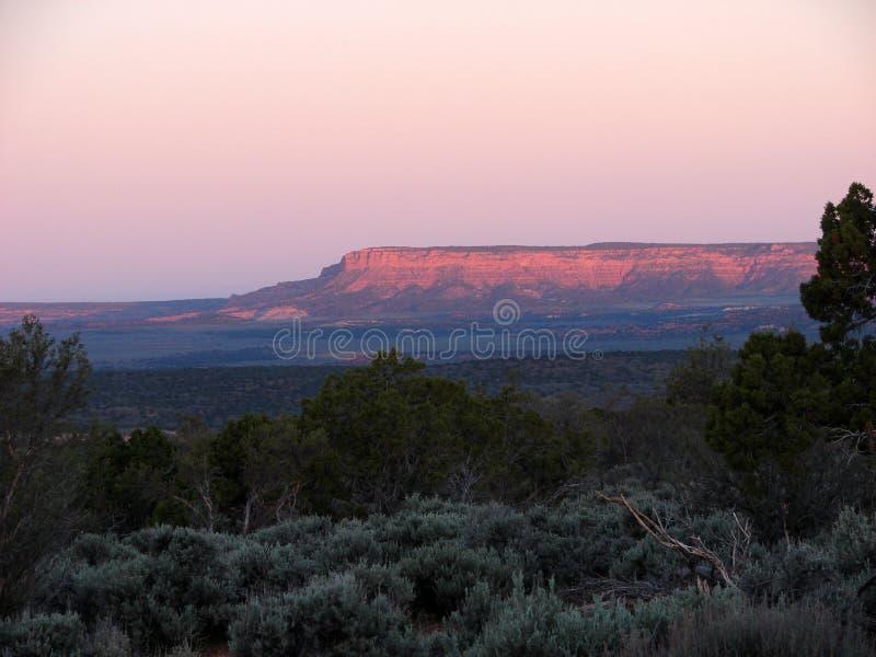 Cielos coloridos sobre la montaña fotos de archivo libres de regalías