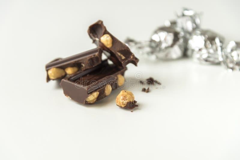 Ciemna czekolada z hazelnuts fotografia royalty free