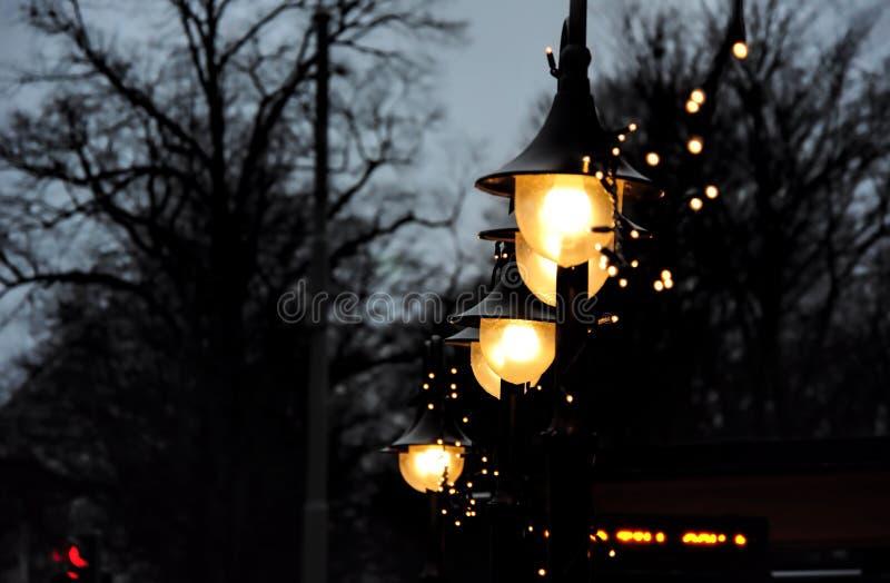 Ciemna noc z jaskrawą nadzieją obraz royalty free