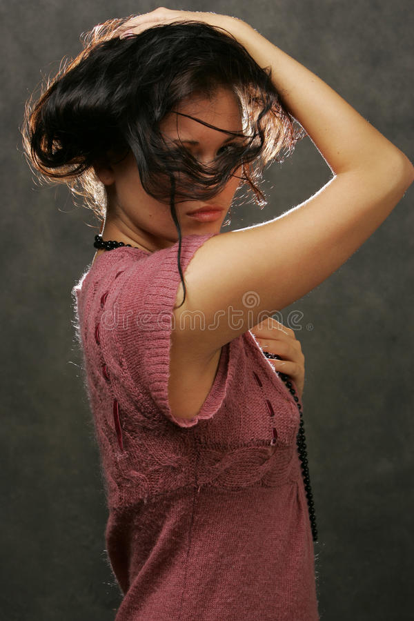ciemnej dziewczyny z włosami portret zdjęcia stock