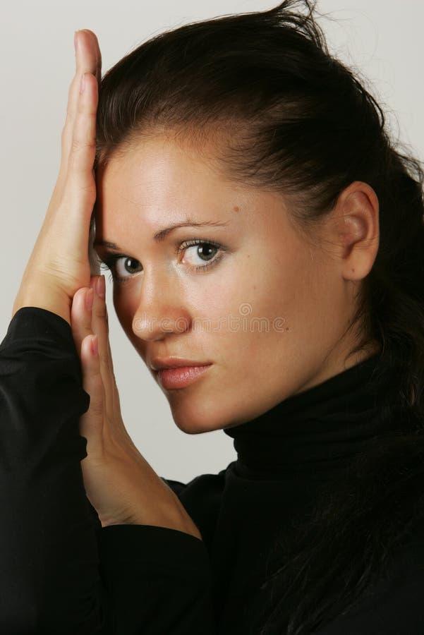 ciemnej dziewczyny z włosami portret obraz stock