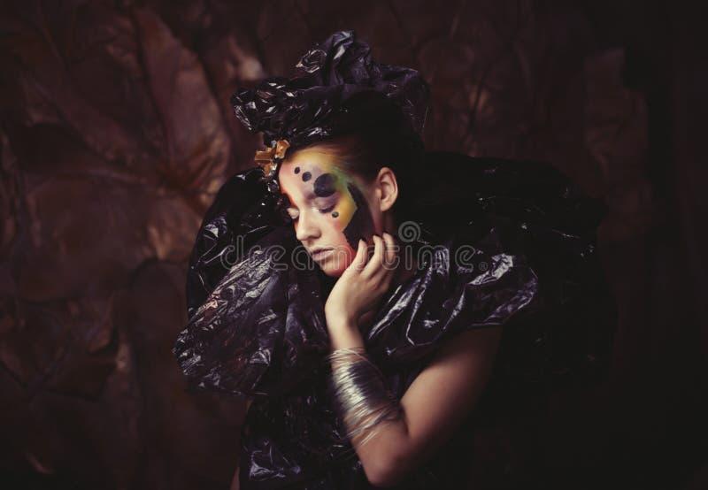 Ciemny Piękny Gocki Princess, młoda kobieta, Halloween przyjęcie fotografia stock