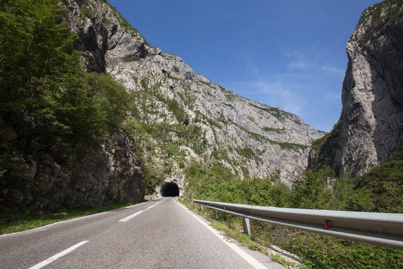 Ciemny tunel i droga w Montenegro obrazy royalty free