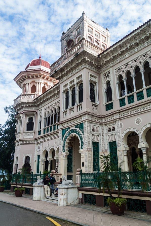 CIENFUEGOS, CUBA - 11 DE FEVEREIRO DE 2016: Construção de Palacio de Valle em Cienfuegos, Cub imagens de stock