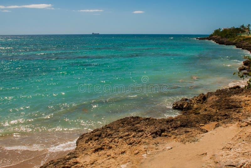 Cienfuegos, Cuba, Rancho Luna Beach : Belle vue de la plage et de la mer des Caraïbes images libres de droits