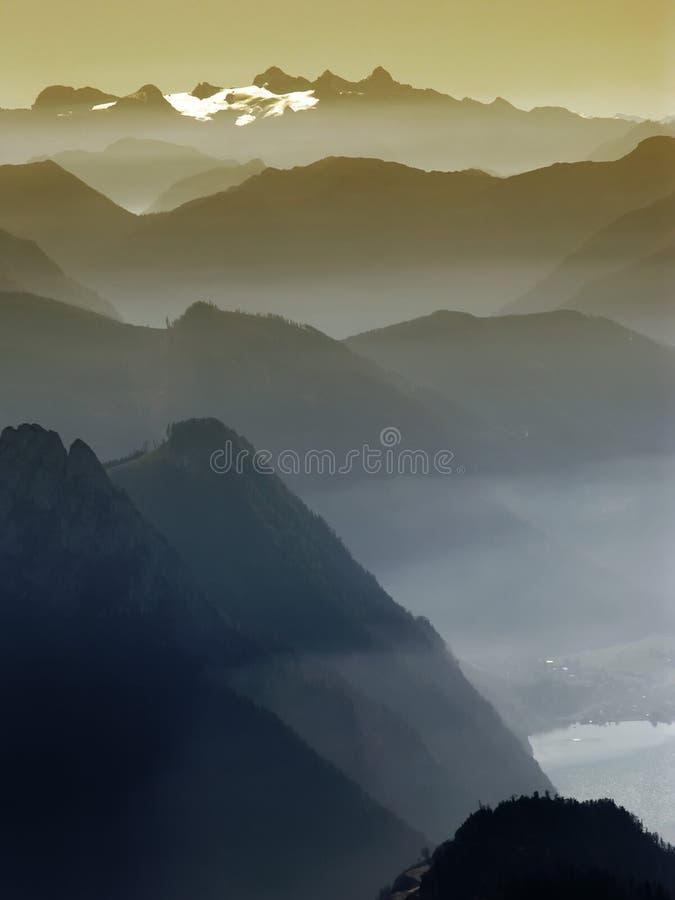 cienie górskie zdjęcia royalty free