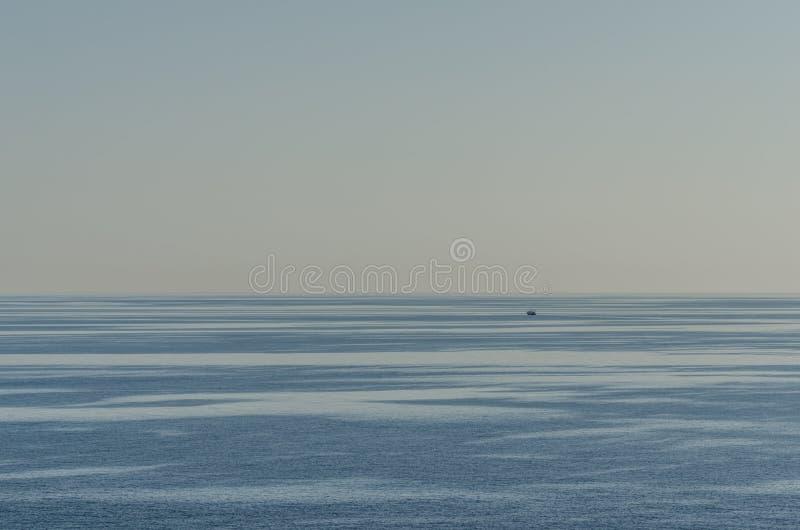 cienie na morzu zdjęcia royalty free