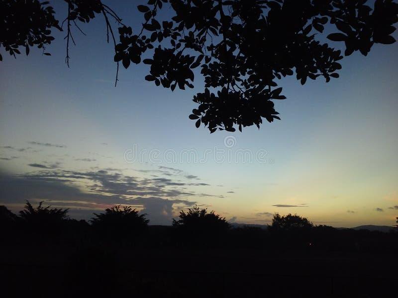 Cienie w niebo pięknych scenach w nasz niebie fotografia stock