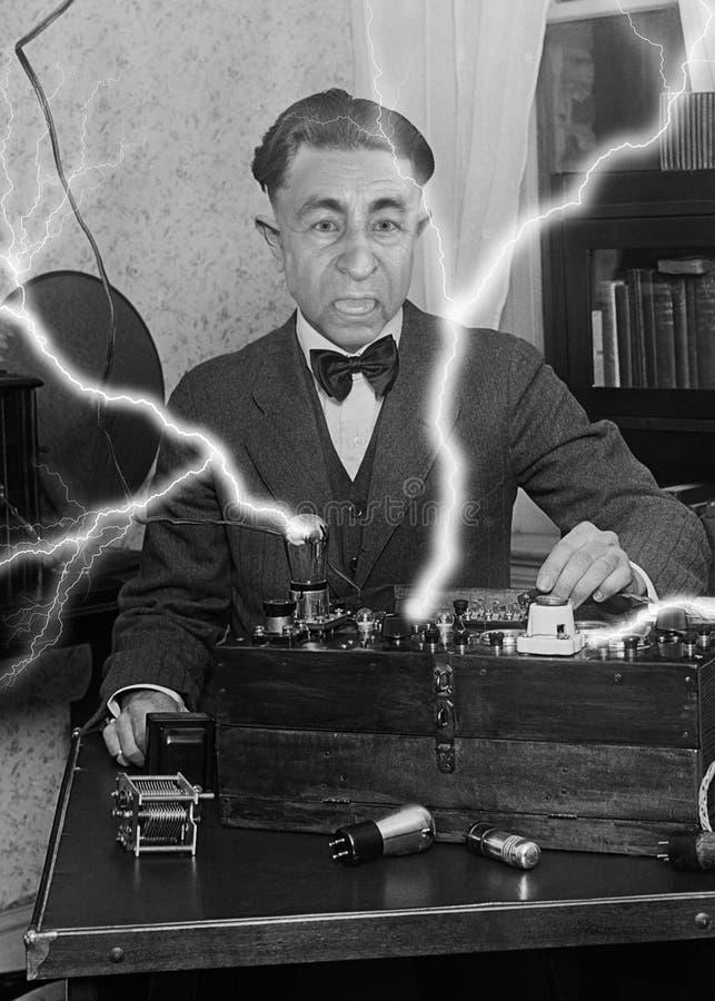 Científico divertido del vintage, experimento, ciencia, tecnología fotografía de archivo libre de regalías