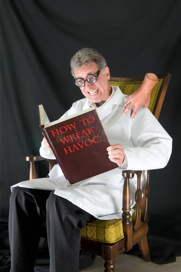 Científico enojado, doctor malvado imagen de archivo libre de regalías