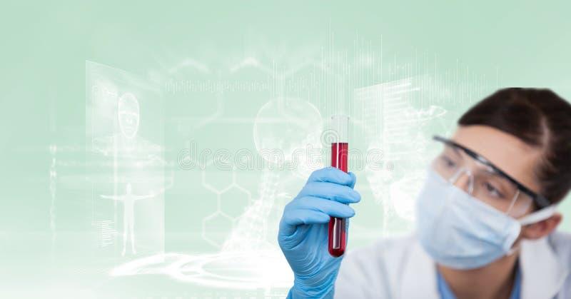 Cientista com tubo de ensaio vermelho fotografia de stock