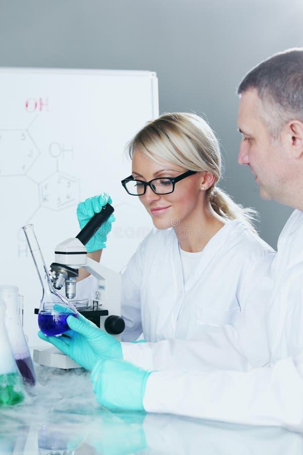 Cientista da química fotos de stock