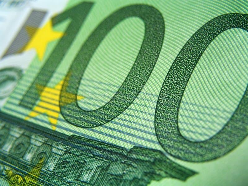 Cientos billetes de banco del EUR, detalle fotografía de archivo