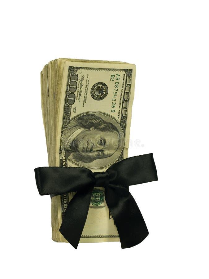 Cientos cuentas de dólar atadas en una cinta negra fotografía de archivo libre de regalías