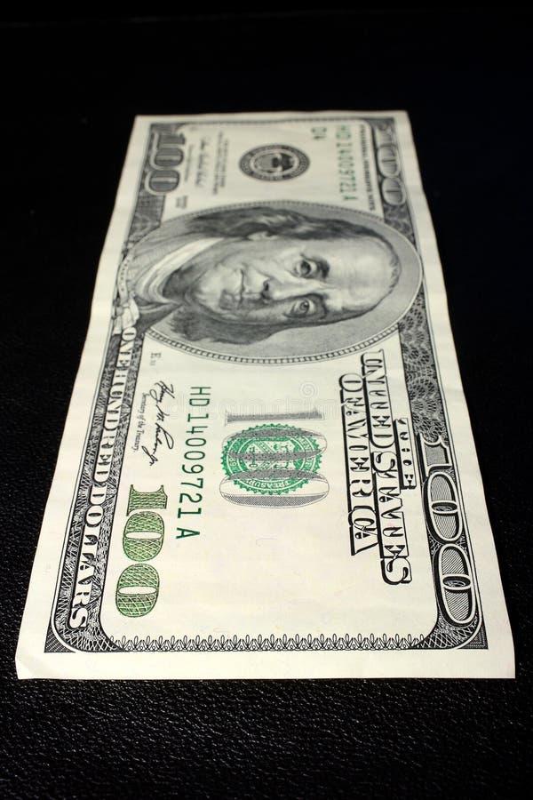 Cientos dólares