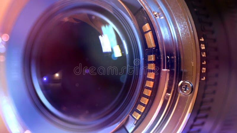 Cierre de la lente de cámara 50m m para arriba imagen de archivo