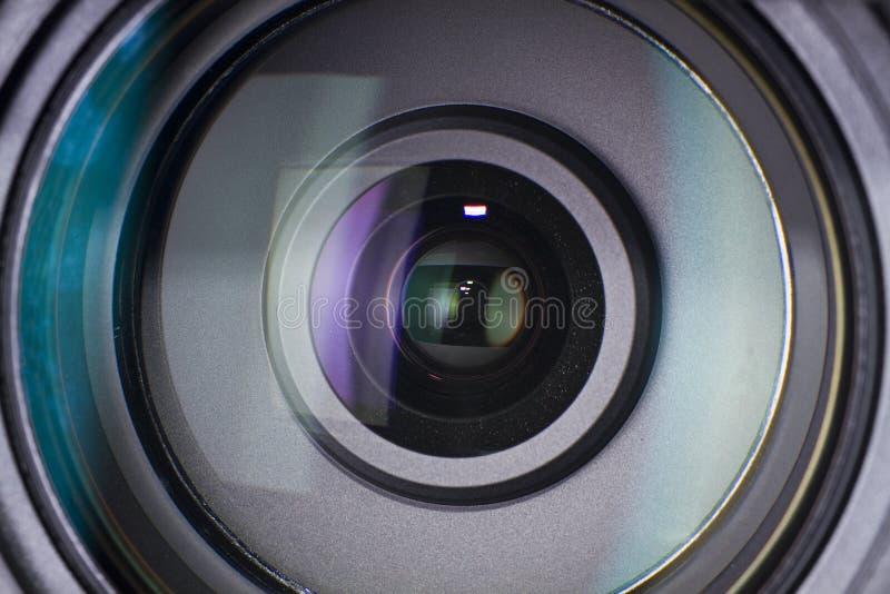 Cierre de la lente de cámara para arriba fotografía de archivo